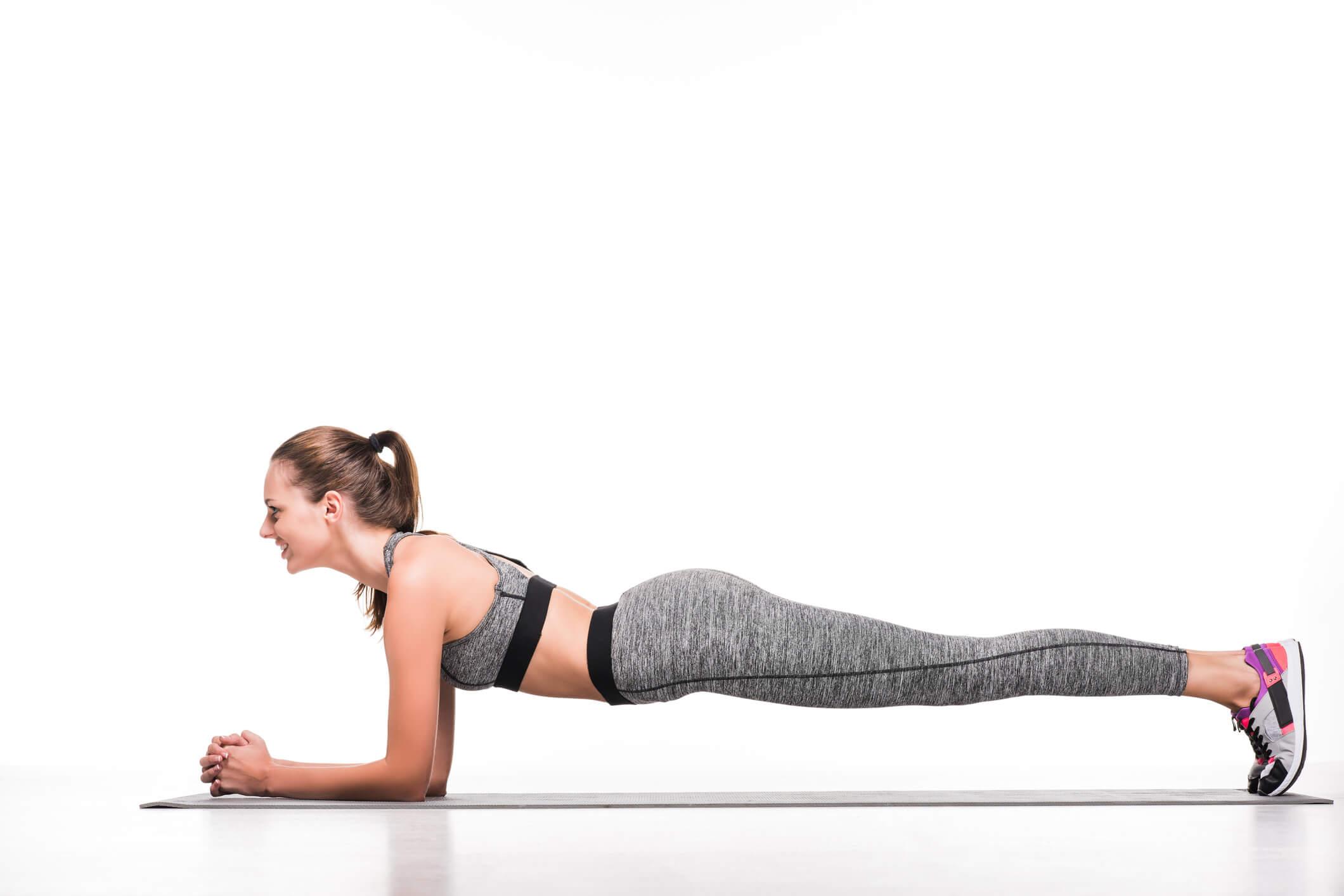 Lady doing core fitness class
